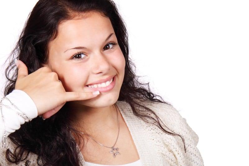 relation client et handicap auditif